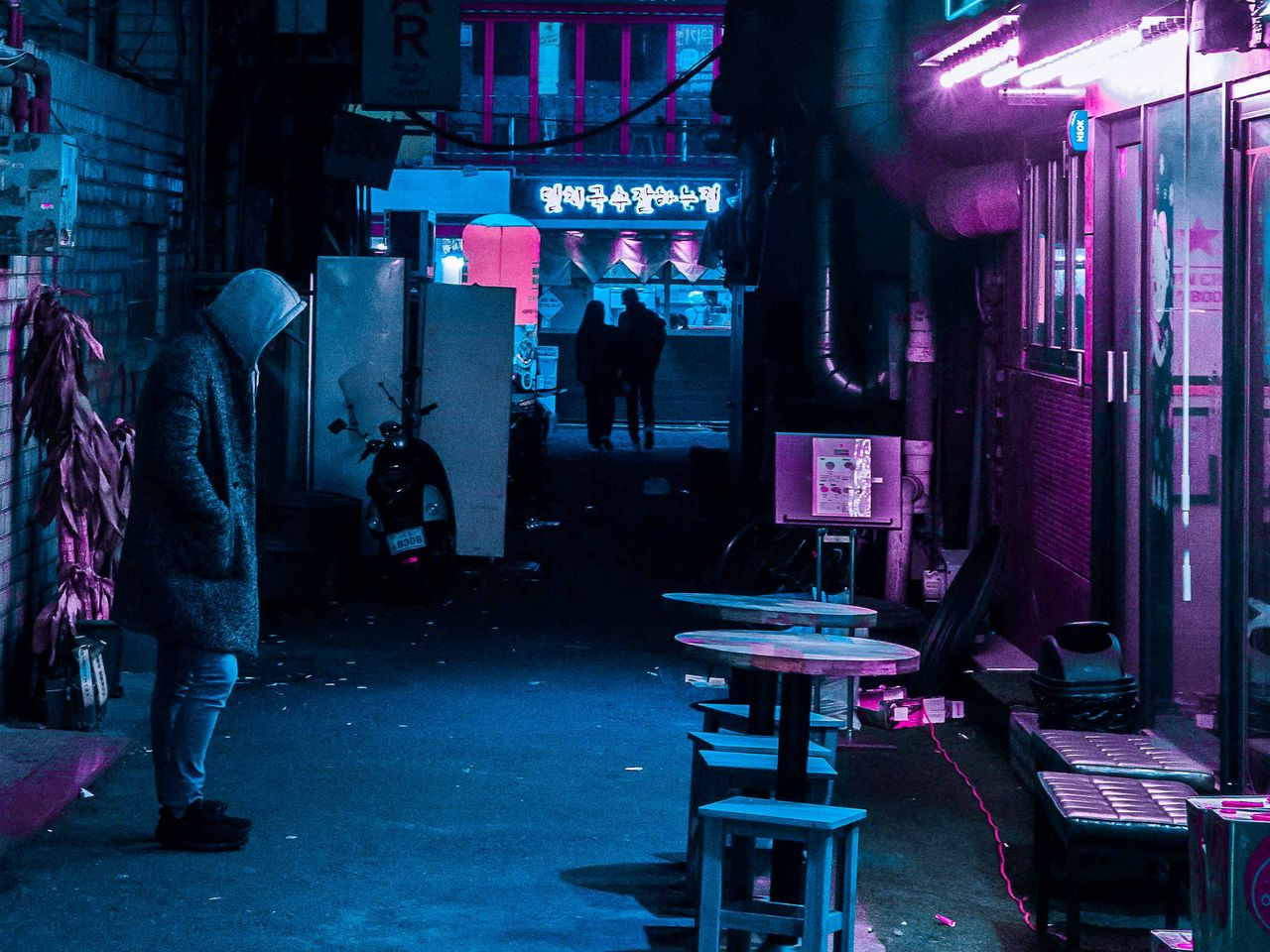 night_city_neon_street_134580_1280x960